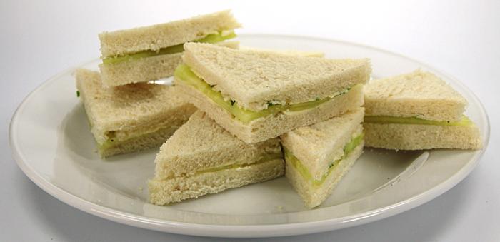rezept f r gurken sandwiches cucumber sandwiches tls geheimes kochbuch rezepte aus aller welt. Black Bedroom Furniture Sets. Home Design Ideas